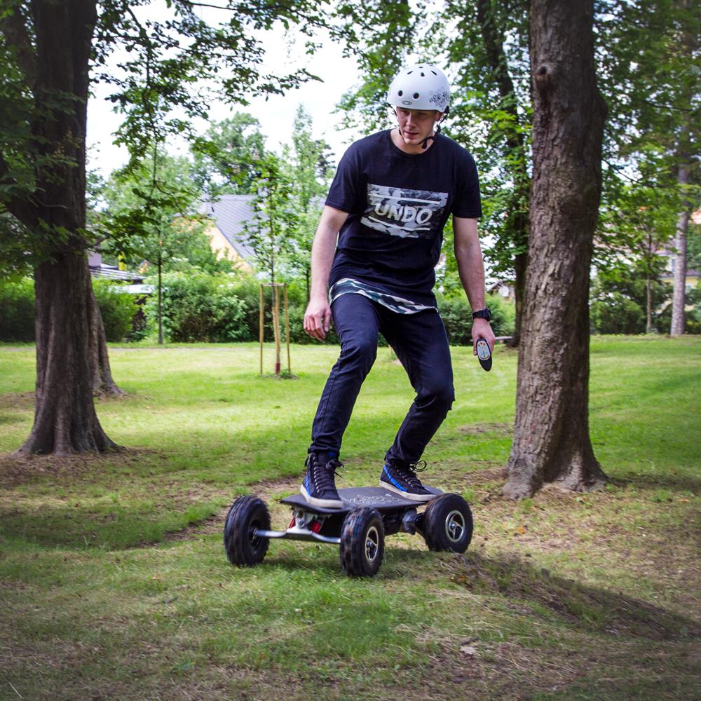 Elektrický longboard Skatey 800 Off-road čierny - inSPORTline 5a8fe54aa8