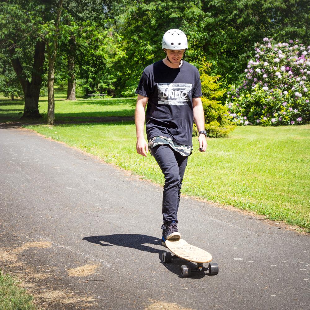 Elektrický longboard Skatey 350L čierny. Bluetooth ovládač ... 6f146047c4