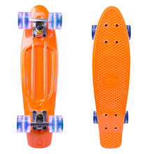 "Pennyboard WORKER Sturgy 22"" so svietiacimi kolieskami"